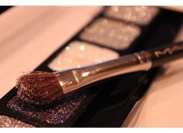jewels make-up eye makeup make-up make-up eye makeup eye shadow glitter sparkle sparkle makeup palette