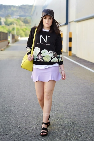Letter and Flower Print Pullover In Black [SHWM00069] - PersunMall.com