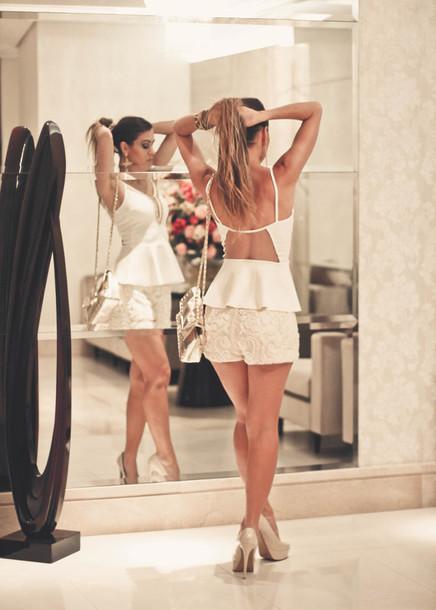 decor e salto alto blogger shorts summer outfits nude high heels white top top shoes