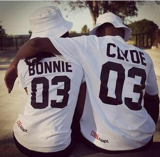 top bonnie and clyde streetwear blouse number matching couples t-shirt white bonnie & clyde couple shirtrts bonnie clyde 03 jay z shirt couple sweet hot t-shirt bonnie and clyde urban outfitters bag swag