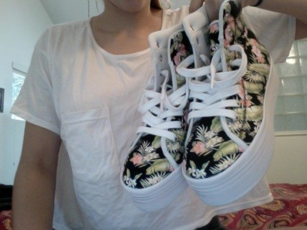 shoes tropical print