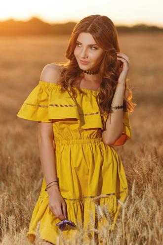 the mysterious girl blogger dress jewels yellow dress off the shoulder dress mustard dress mustard ruffle ruffle dress off the shoulder summer dress summer outfits choker necklace black choker