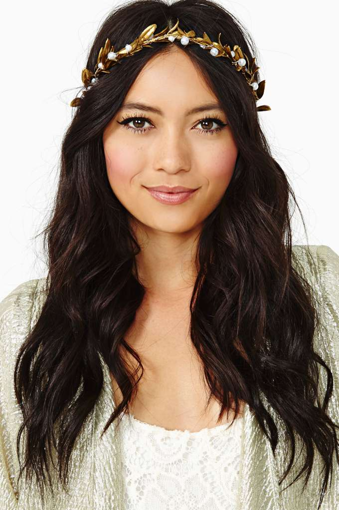Pearl Goddess Crown in  Accessories at Nasty Gal
