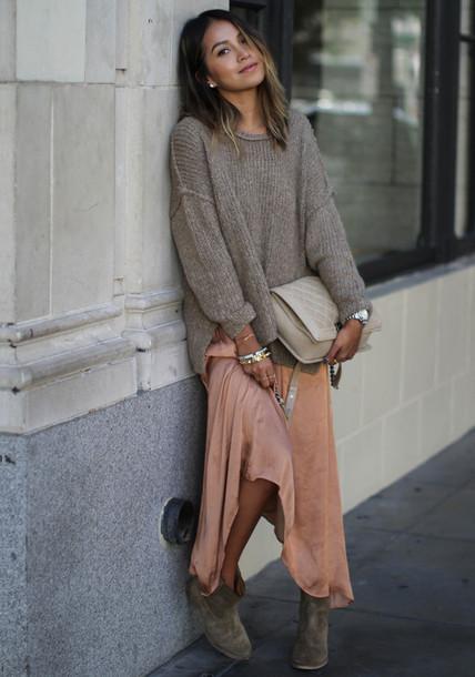 sincerely jules blogger peach silk maxi dress oversized sweater grey oversized sweater sweater over dress