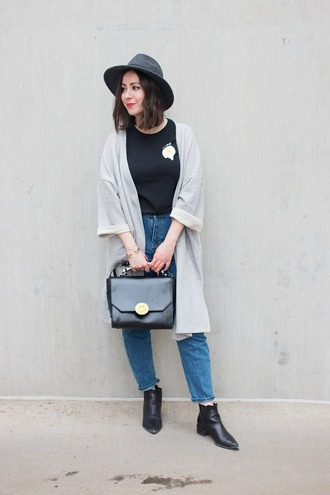 adventures in fashion blogger cardigan t-shirt jeans shoes hat bag felt hat egg black t-shirt black bag