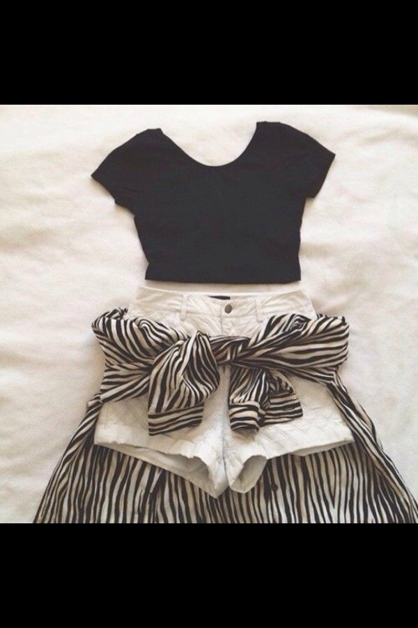 shirt w&b b&w High waisted shorts shorts cardigan stripes blouse striped blouse crop tops t-shirt
