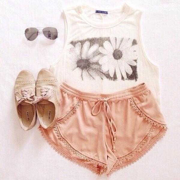 shorts lookbook blouse shoes shirt flower shirt tan shoes t-shirt daisy dress
