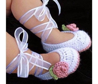shoes babyshoes white ballerina ballerinashoes cute lovely flowers girly babystuff baby whiteshoes baby ballerina ballerina shoes small baby stuff baby girl daughter