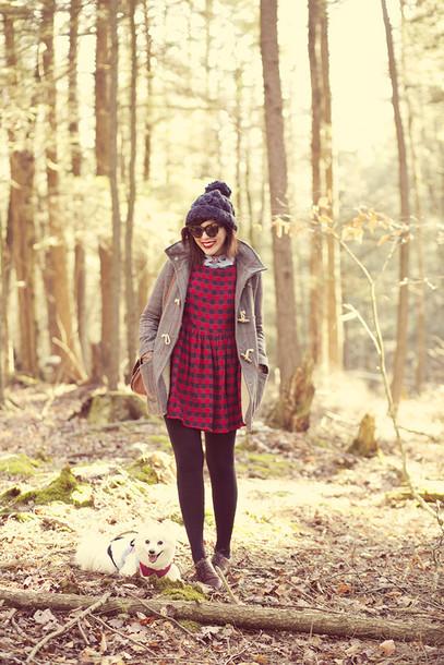 keiko lynn blogger coat hat dress t-shirt gloves bag sunglasses shoes