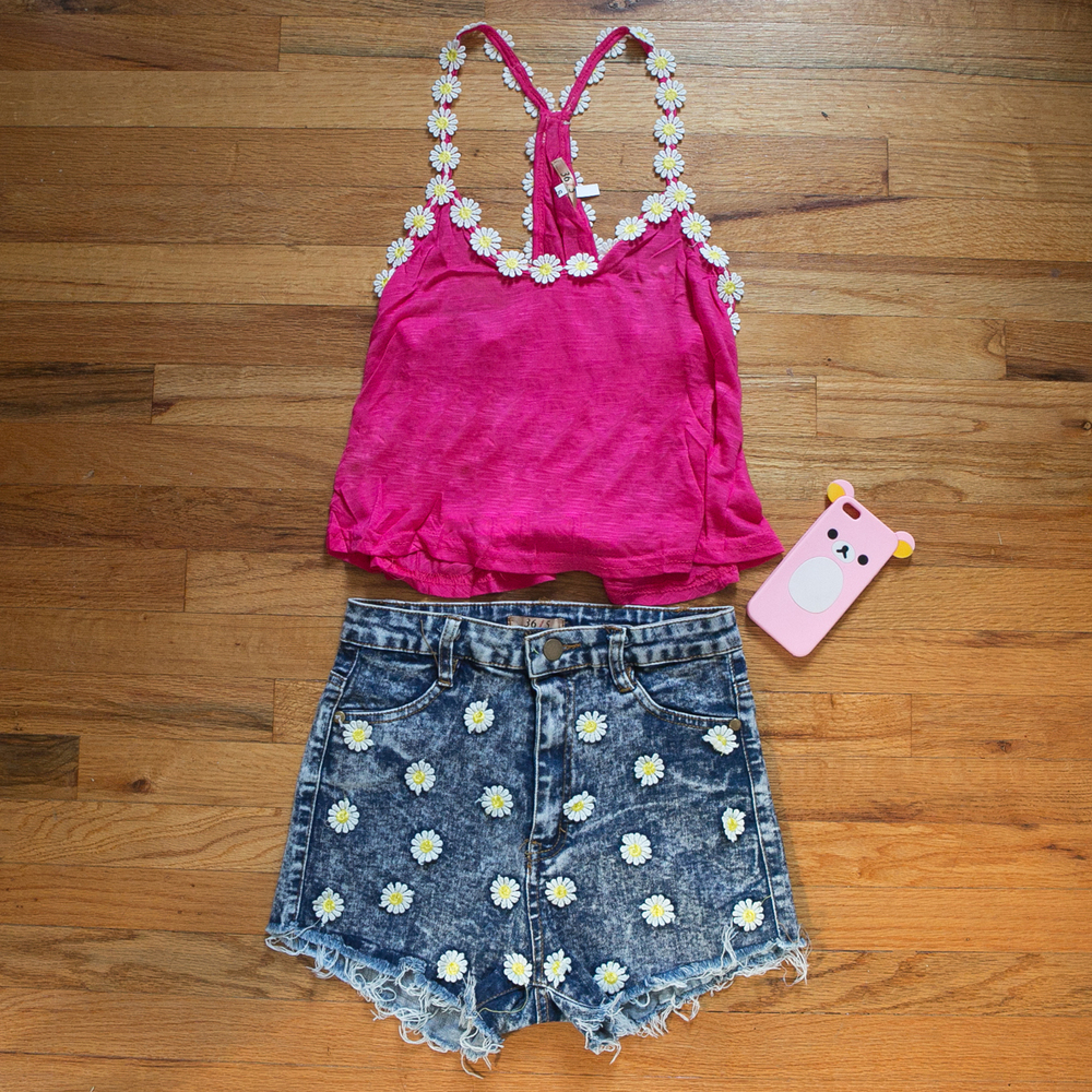 Violet Kissed | HOT PINK DAISY TOP