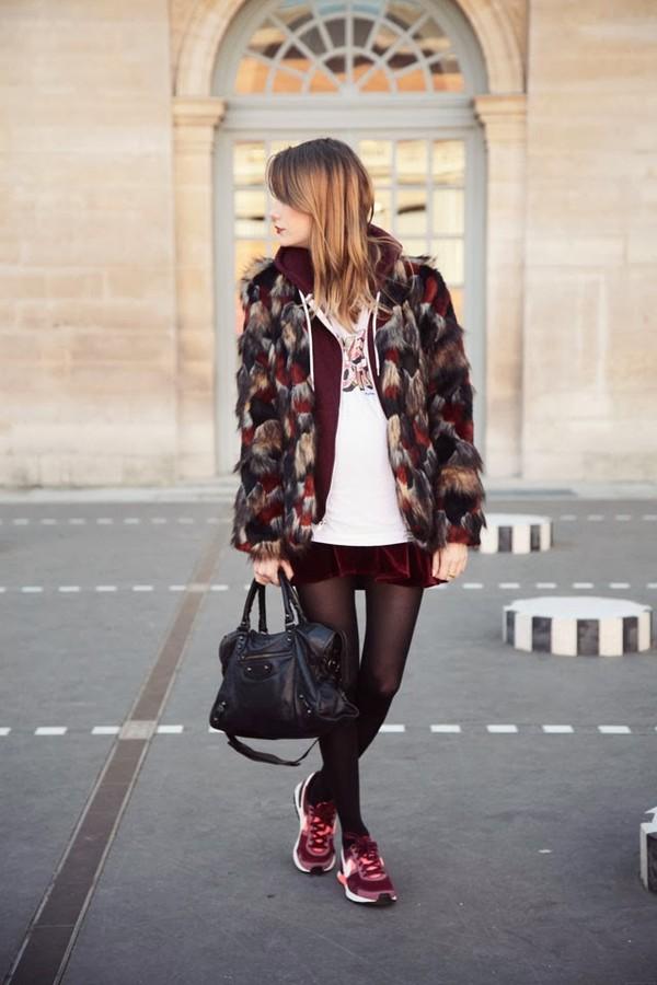 into your closet coat sweater jewels t-shirt shirt skirt bag shoes