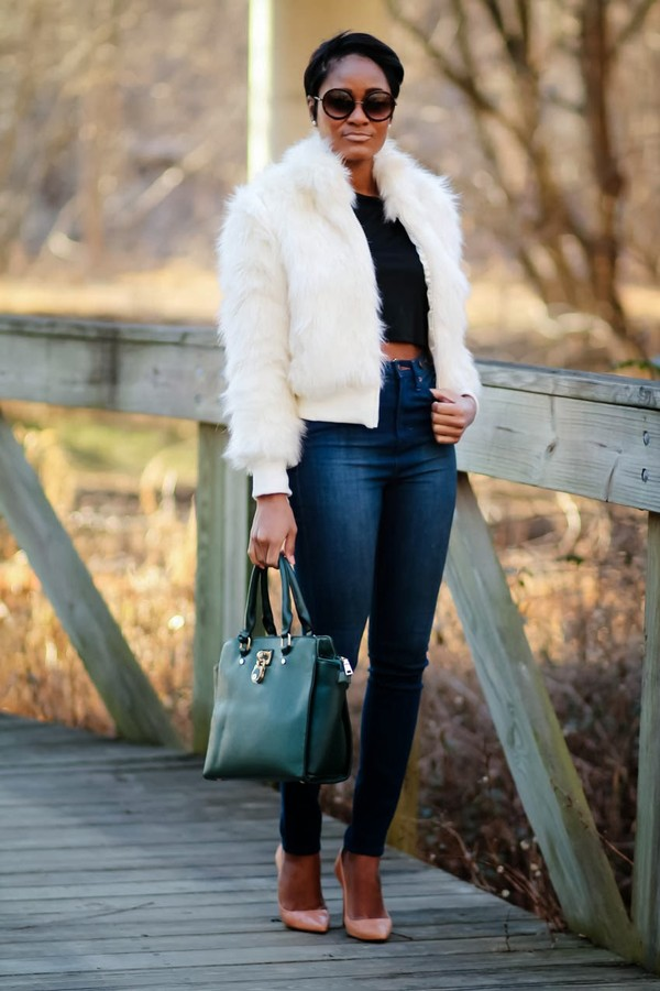 the daileigh jacket t-shirt jeans sunglasses shoes bag