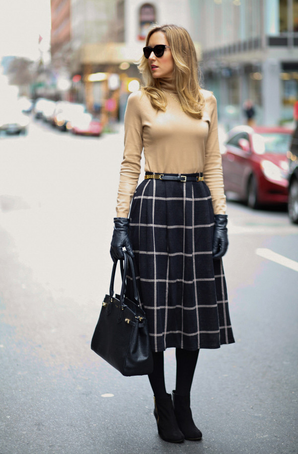 the classy cubicle skirt belt shoes jewels bag