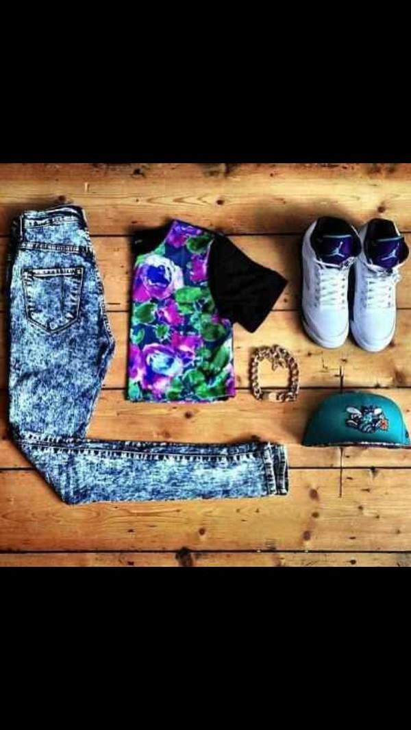 pants shirt shoes jewels