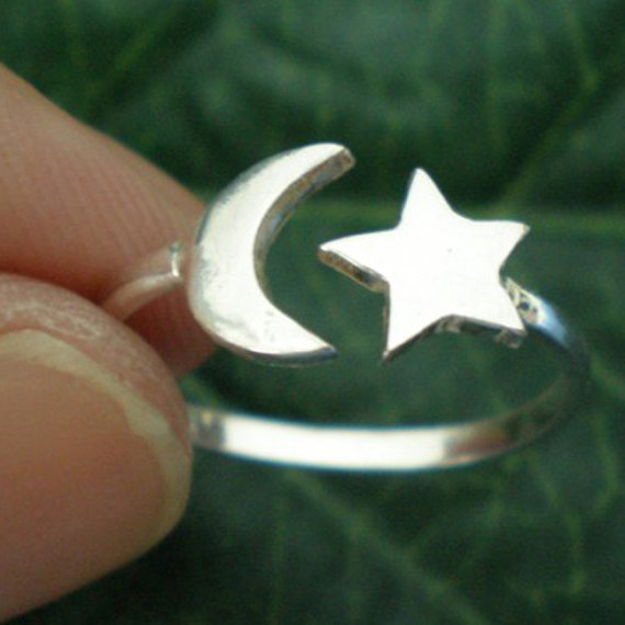 Moon and Star Ring Silver  US 3  13 by yhtanaff on Etsy