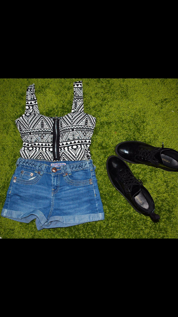 blouse black and white crop tops