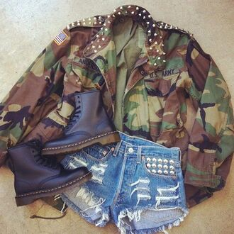 jacket boots shorts studded shorts army green jacket camouflage blouse clothes shoes drmartens shirt coat us army jacket inspiration everything camo jacket comat boots cute studded jacket