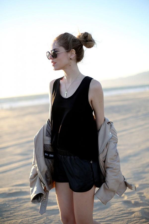 the blonde salad shorts t-shirt jewels jacket sunglasses bag