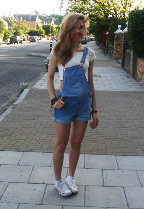 overalls jeans lace white blue overalls girl tumblr stud denim converse crop tops romper short overalls light washed denim denim overalls tumblr girl blue jeans top