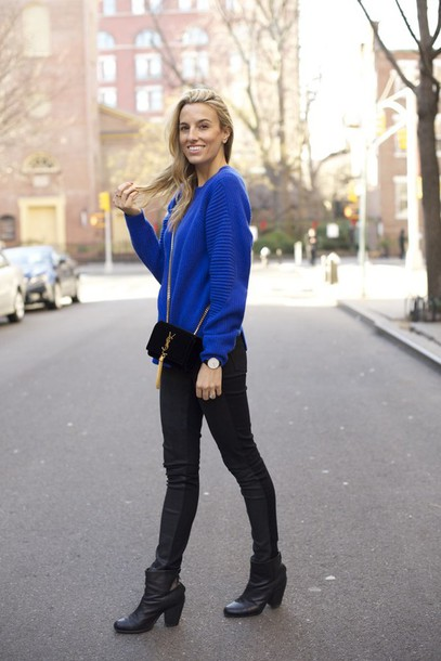 mind body swag blogger blue jumper sweater fashion streetstyle fall outfits