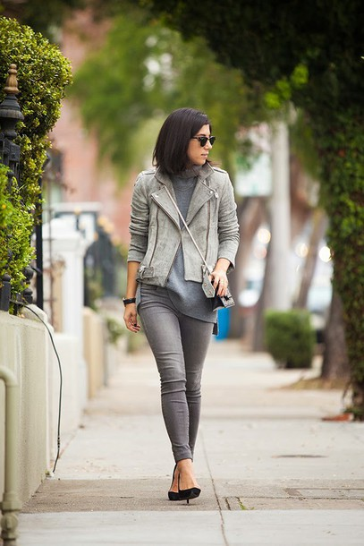 this time tomorrow blogger perfecto grey jeans jacket sweater jeans shoes bag sunglasses jewels