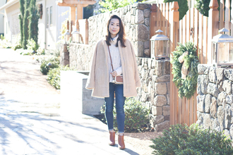 it's not her it's me blogger coat sweater jeans bag shoes
