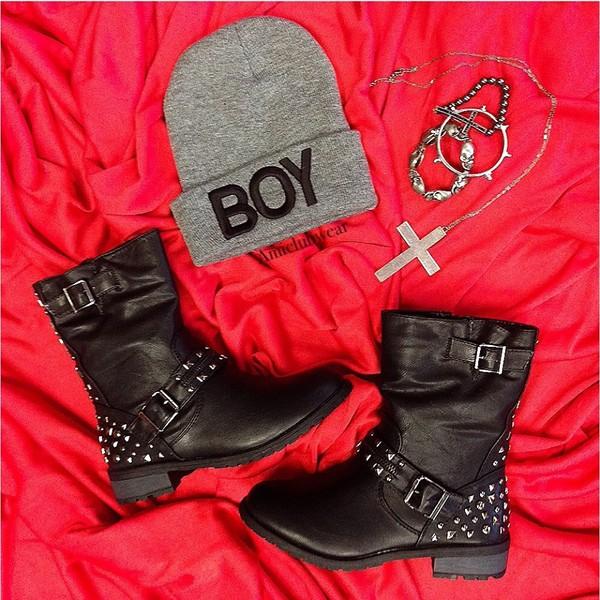 shoes combat boots beanie hat jewels