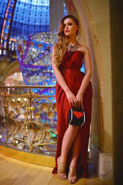 kayture blogger bustier dress red dress heart slit dress evening dress dress bag jewels best accessories by kayture
