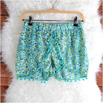 Daisy Pastel Pom Pom Shorts - LilyPily