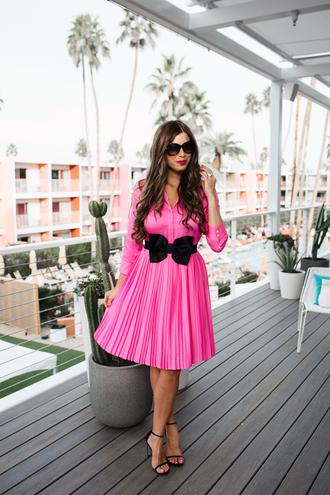 mint arrow blogger dress belt shoes sunglasses