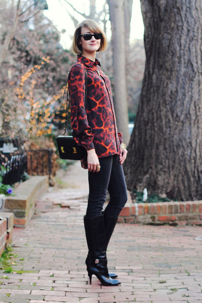 district of chic blogger shirt print black boots