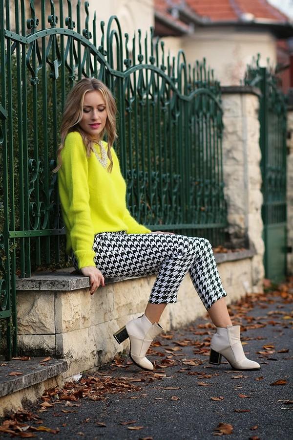 fashion spot pants sweater shoes jewels
