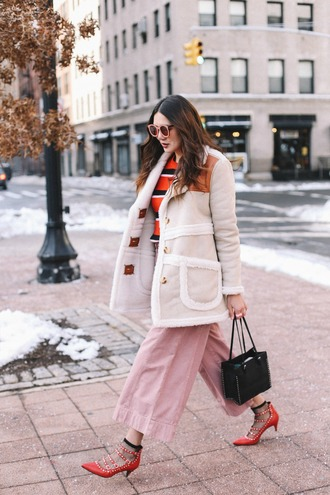dylana suarez blogger coat top pants shoes bag socks beige coat pink pants mid heel pumps