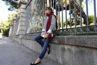 my daily style sweater t-shirt scarf bag shoes