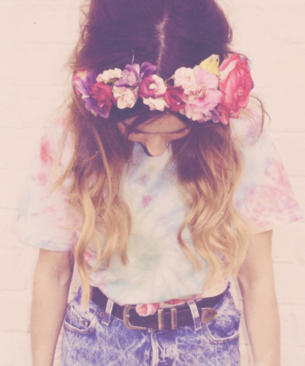 shirt flower crown High waisted shorts tucked in hat t-shirt galaxy print tie dye dip dyed flowers