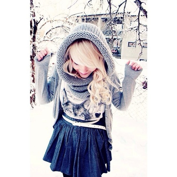 scarf grey knitted scarf winter outfits skirt jean skirt graphic tee husky cardigan grey cardigan