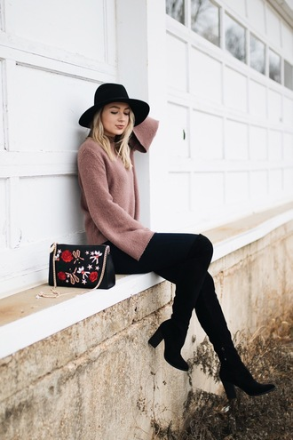 love lenore blogger sweater jeans shoes hat bag felt hat printed bag bell sleeve sweater boots black boots