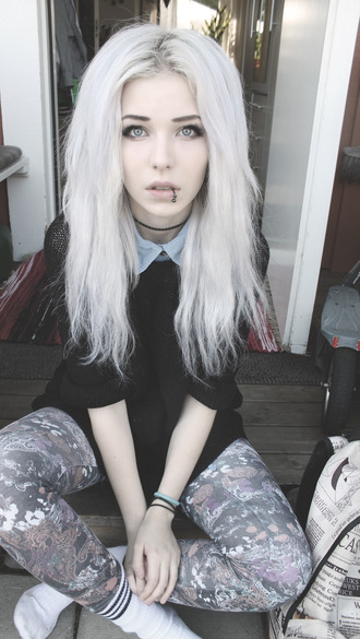 jeans grunge goth indie punk hipster rock leggings tights floral retro sweater shirt pastel grunge floral pants blouse cute soft cool goth hipster dark black scene emo piercing make-up where can i get this whole outfit