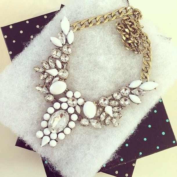 jewels white necklace