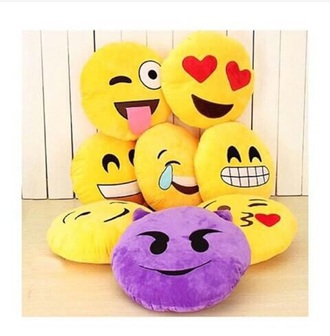 home accessory pillow emoji print emoji pillow box gift ideas contest give away fashion dress back to school summer