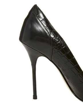 River Island   River Island Leather Odette Classic Heeled Court shoes at ASOS