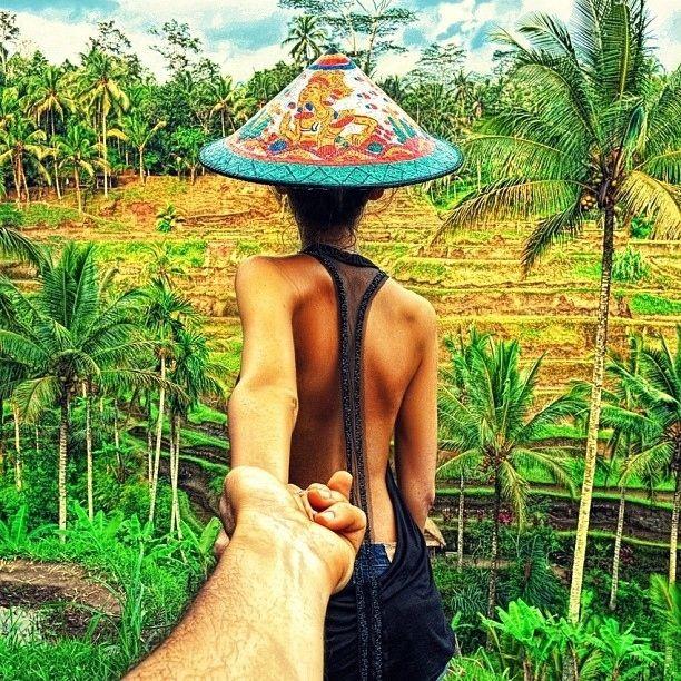 Photographer Follows His Girlfriend Wherever She Leads | Art