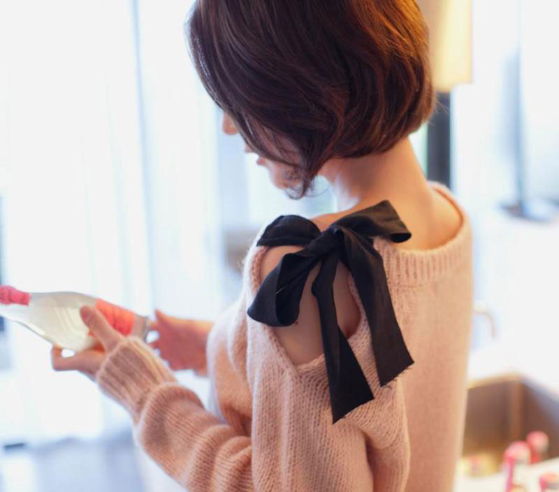 SHOULDERS BUTTERFLY BOW SPRING SWEATER [185] on Luulla