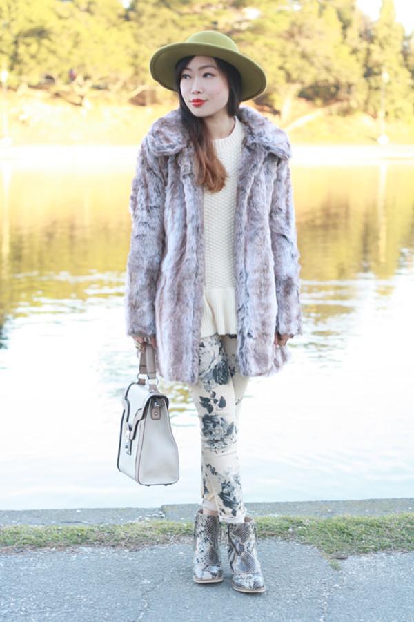 it's not her it's me sweater coat hat bag shoes