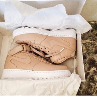 shoes nude nike nike air nike air force 1 nike sneakers nike free run sneakers beige chaussures nude sneakers