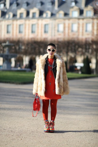 let's get flashy blogger tights faux fur coat red dress red bag coat jacket dress bag shoes sunglasses hat beige fluffy coat beige fur jacket