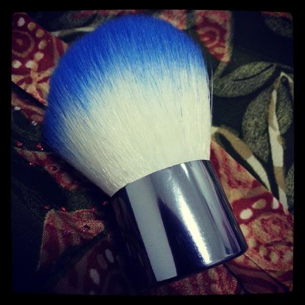 nail polish romwe make-up brush