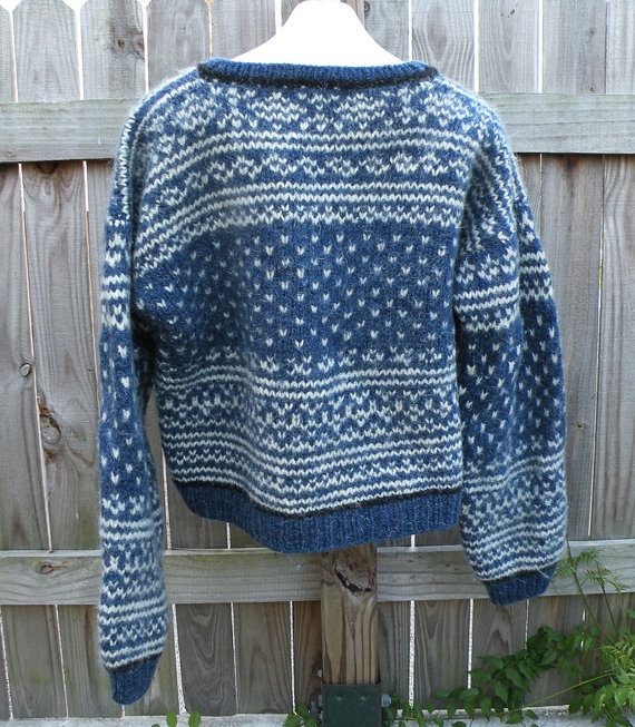 XL Thick Chunky Wool Blue and OffWhite Vintage by TheDaveCave