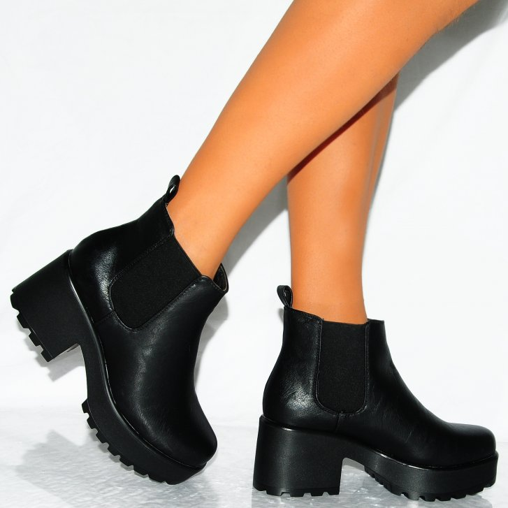 Black Chunky Heel Ankle Boots - Qu Heel