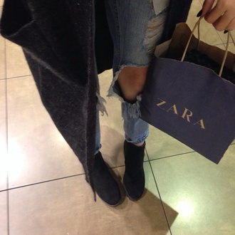 jeans zara coat boots shoes acacia brinley ripped jeans whole outfit..